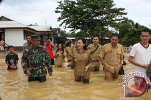 Bupati Landak Pantau Lokasi Banjir Kecamatan Meranti