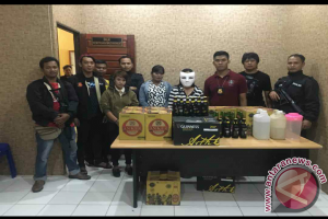 Polisi Razia Karaoke di Tayan Hilir