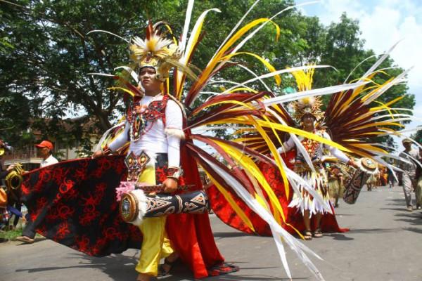 Karnaval Busana Etnik