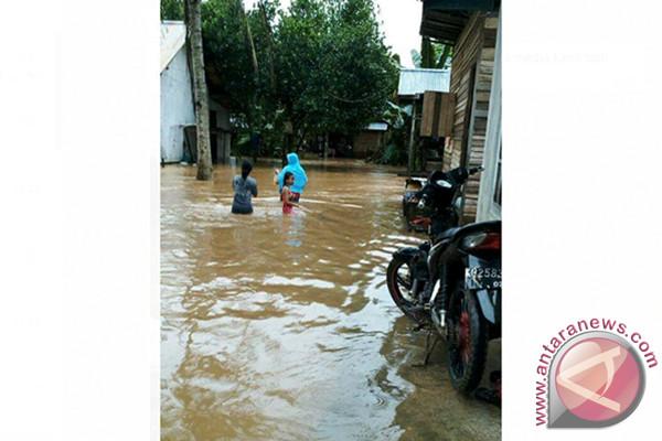 60 rumah warga Sijang Sambas terendam banjir