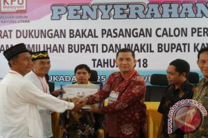 Pasangan Perseorangan Pertama Mendaftar KPU Kayong Utara