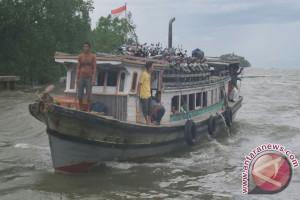 Cuaca Buruk Ganggu Transportasi Laut Kayong Utara