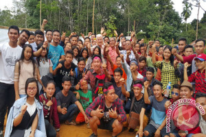 Bupati Rupinus Natal bersama ribuan warga Sungai Kijang