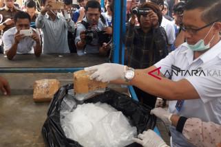 25 kilogram sabu-sabu dimusnahkan