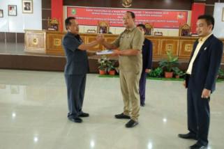 Pjs Bupati Sanggau Serahkan LKPJ Tahun 2017