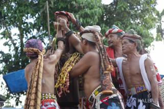 Ritual Adat Beliatn Bawo