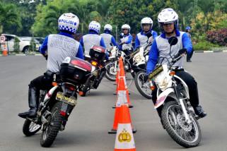 Latihan mengontrol sepeda motor