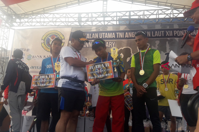 Lantamal Pontianak gelar Fun Run sambut Asian Games