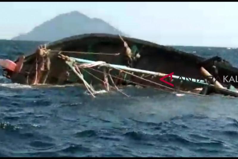 Lantamal XII Pontianak tenggelamkan kapal asing