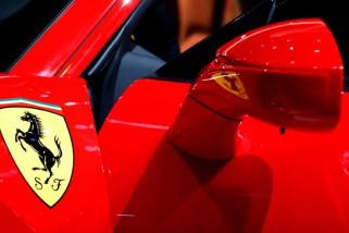 Ferrari empat tempat duduk tampil di Maranello