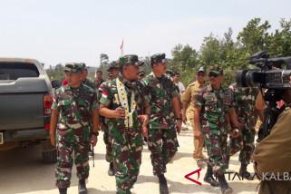 Tiga Jenderal tinjau perbatasan Kalbar Jelang HUT TNI ke-73