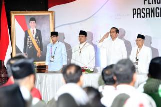 Jokowi - Prabowo berbincang pada deklarasi kampanye damai