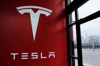 Tesla hilangkan beberapa pilihan warna mobil