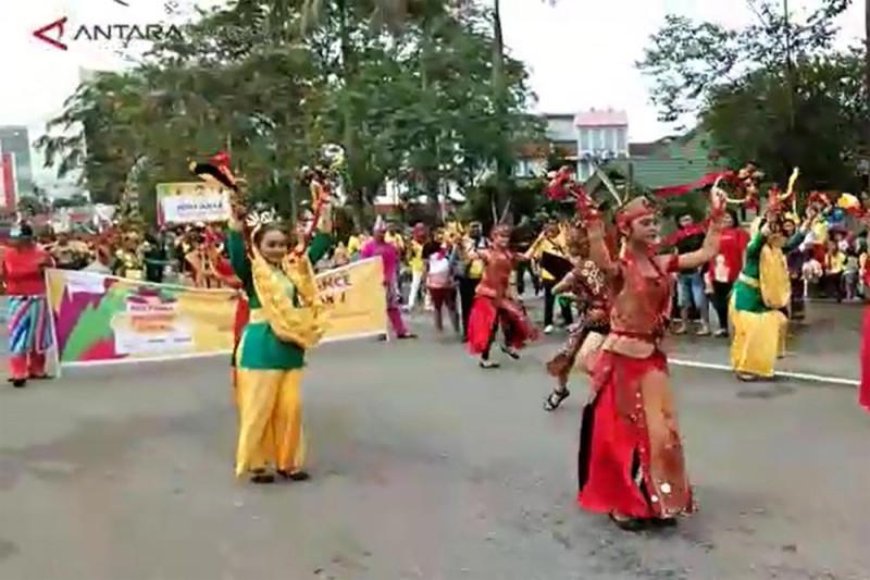 Sutarmidji apresisasi Festival Pesona Lokal Pontianak