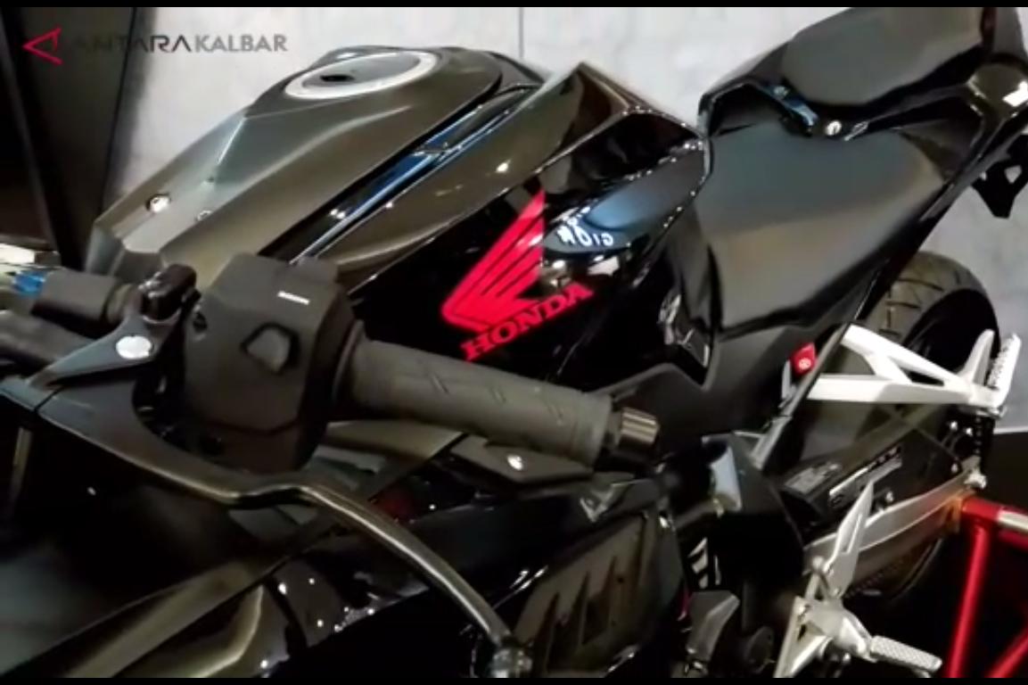 Peluncuran New Honda CB150R StreetFire