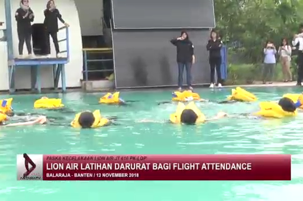 latihan darurat Lion Air