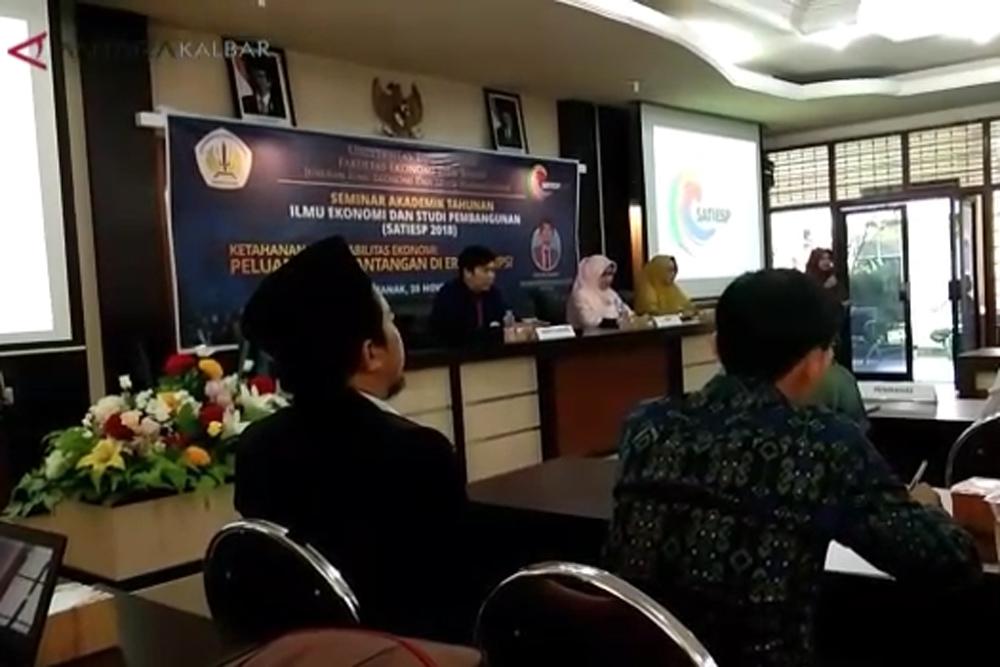Seminar dan bedah buku FEB Untan