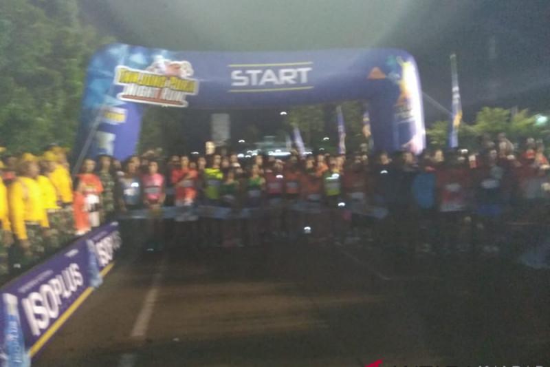 """Ribuan peserta ikuti """"night run"""" Kodam/Tpr"""