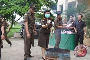 Ratusan gram Sabu-Sabu Dimusnahkan