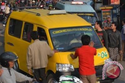 Taksi Daring Dan Konvensional Sebaiknya Kerja Sama