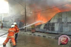 Pemkot  Lamban Berikan Bantuan Kebakaran