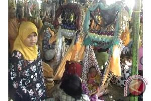 """""""Baayun"""" Wahana Pelestarian Tradisi  Di Kalsel Oleh Hasan Zainuddin"""