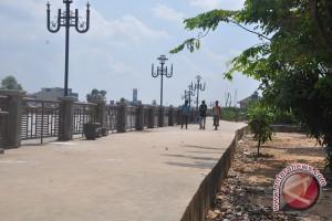 Tinggal Satu Kilometer Siring Sungai Martapura Selesai