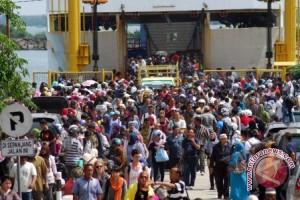 Jumlah Penumpang Kapal Di Pelabuhan Betulicin Meningkat