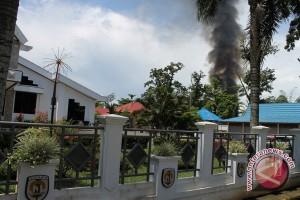 Tujuh Rumah HST Terbakar