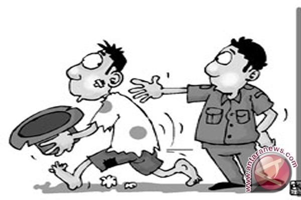 Polisi Amankan Peminta Sumbangan Bermodus Jalan Rusak