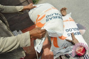 S Kalimantan Brings Rice From South Sulawesi