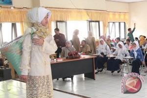 """Melestarikan Bahasa Banjar Lewat Lomba """"Bakisah"""""""