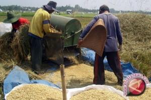 Petani Bangkiling Ikuti Bintek Alat Pertanian