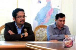 Wartawan Senior Antara Kalsel Terima Penghargaan