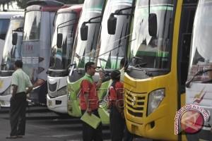 Dishubkominfo  Periksa  Bus Angkutan Mudik