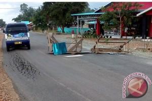 Jalan Banjarmasin - Banua Anam Butuh Penanganan Segera