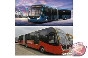 Bus Tiga Jurusan Ramai Di Terminal Km-6