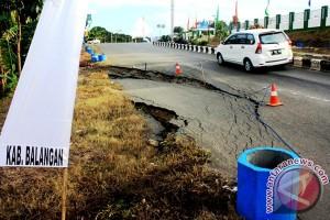 Jalan Banjarmasin-banua Anam Kalsel Bergelombang