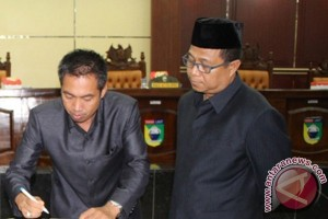 Dewan Sahkan Raperda Penyertaan Modal dan Penetapan Desa