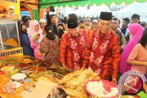 Gubernur Resmikan Pasar Wadai
