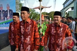Governor Opens Pasar Wadai Ramadan