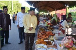 Pasar Kue Ramadhan Diserbu Pengunjung