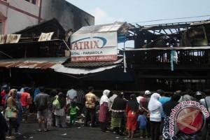 Lima Toko, Gudang  dan Tiga Rumah Hangus Terbakar