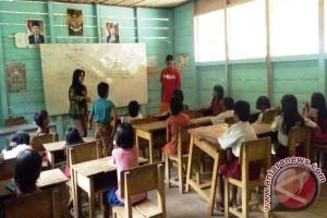 Guru di Paminggir Sudah Tak Mendapat Tunjangan Pusat
