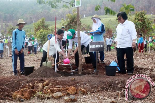 Legislator Ajak Budidayakan Puspa Dan Satwa Langka