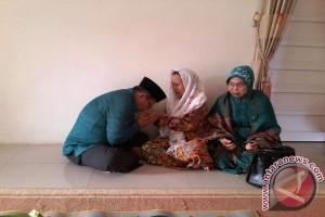 Anhsaruddin Yakin, Kemenangannya Karena Restu Ibunda
