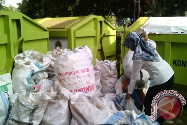 Tanah Bumbu Menyosialisasikan Program Sedekah Sampah