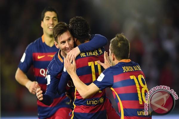 Spesialis Tendangan Bebas Messi Bawa Barca Masuk Delapan Besar