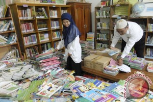 Bank Kalsel Bangun Rumah Baca SDN Karang Mekar