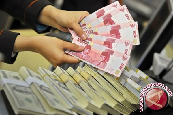 Rupiah Selasa Pagi Menguat Tipis Ke  Rp13.550